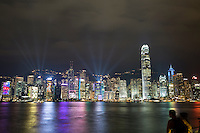 People's Republic of China, Hong Kong: A Symphony of Lights on Victoria Harbour | Volksrepublik China, Hongkong: Victoria Harbour und die naechtliche Skyline Hongkongs