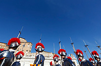 Vatican City, 25th December, 2018. Vatican Swiss Guards march in St. Peter's Square before the Pope Francis' Urbi et Orbi (In Latin 'to the city and to the world' ) Christmas' day blessing from the central loggia of St. Peter's Basilica.<br /> &copy; Riccardo De Luca UPDATE IMAGES/ Alamy Live News