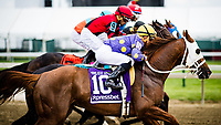 BALTIMORE, MD - MAY 19: The field leaves the gate in the start of the Pimlico Special Stakes in which Shaman Ghost #6 (black hat), ridden by Javier Castellano wins on Black-Eyed Susan Day at Pimlico Race Course on May 19, 2017 in Baltimore, Maryland.(Photo by Douglas DeFelice/Eclipse Sportswire/Getty Images)