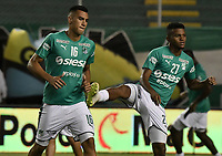 PALMIRA - COLOMBIA, 26-05-2019: Christian Rivera y Darwin Andrade del Cali en acción durante calientan previo al partido entre Deportivo Cali y Atlético Nacional por la fecha 4, cuadrangulares semifinales, de la Liga Águila I 2019 jugado en el estadio Deportivo Cali de la ciudad de Palmira. / Christian Rivera and Darwin Andrade of Cali warm up prior the match for the date 4, semifinal quadrangulars,, between Deportivo Cali and Atletico Nacional of the Aguila League I 2019 played at Deportivo Cali stadium in Palmira city.  Photo: VizzorImage / Gabriel Aponte / Staff