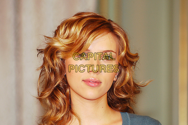 "SCARLETT JOHANSSON.Photocall for ""Match Point"" at Hotel Hassler, Rome, Italy.December 21st, 2005.Ref: CAV.headshot portrait.www.capitalpictures.com.sales@capitalpictures.com.© Capital Pictures."