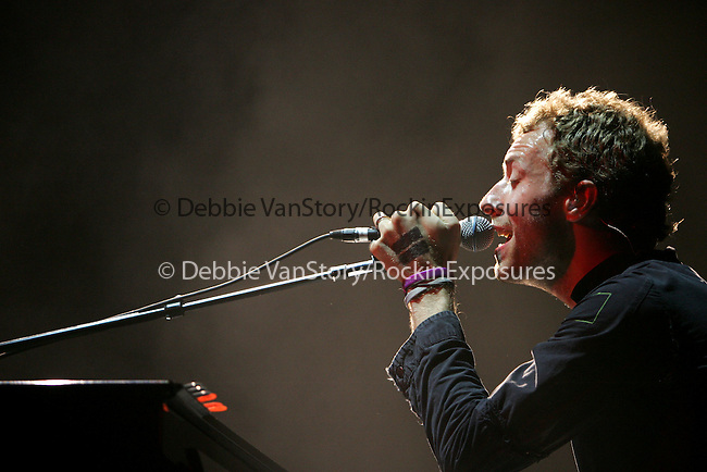 """Chris Martin of Coldplay performs live at Verizon Wireless during their """"Twisted Logic Tour"""" in support of their new album """"X&Y"""" in Irvine,California on August 20,2005.(Pictured:Coldplay,Chris Martin ). Copyright 2005 by RockinExposures"""
