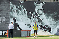 SAO PAULO 12 DE FEVEREIRO DE 2014 - O técnico Mano Menezes durante o treino de hoje. O time do Corinthians se prepara para enfrentar o time do Palmeiras, no próximo domingo, no Estádio do Pacaembú, na zona oeste da capital. foto: Paulo Fischer/Brazil Photo Press.