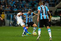 PORTO ALEGRE, RS, 02.11.2016 - GRÊMIO- CRUZEIRO - Douglas, do Grêmio, durante partida contra o Cruzeiro, válida pela semifinais da Copa do Brasil 2016, na Arena do Grêmio, nesta quarta-feira.(Foto: Rodrigo Ziebell/Brazil Photo Press)