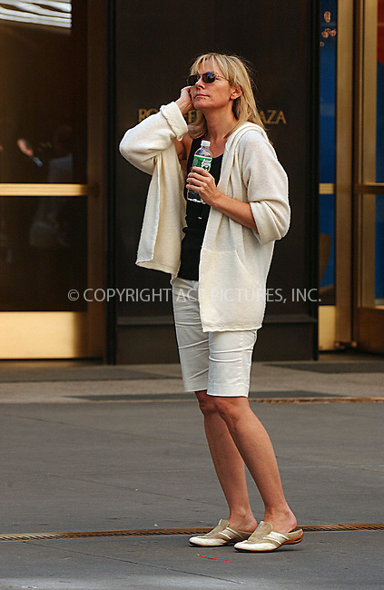 WWW.ACEPIXS.COM . . . . .....September 24, 2007. New York City.....Actress Kim Cattrall films a scene for the upcoming movie 'Sex and the City in New York City...  ....Please byline: Kristin Callahan - ACEPIXS.COM..... *** ***..Ace Pictures, Inc:  ..Philip Vaughan (646) 769 0430..e-mail: info@acepixs.com..web: http://www.acepixs.com