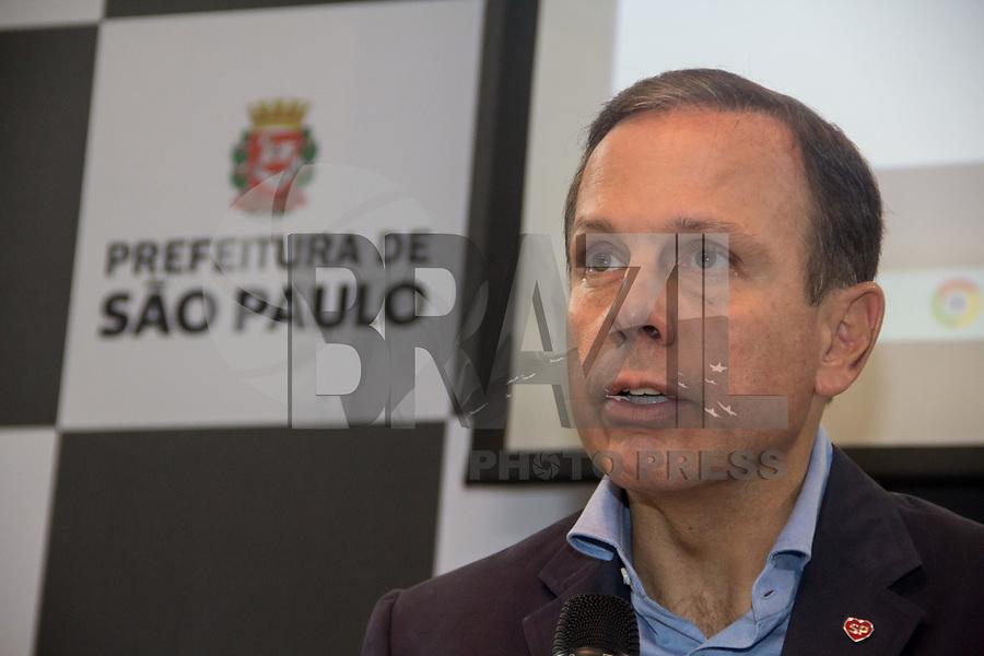 SÃO PAULO, SP - 26.04.2017: DORIA-SP - O prefeito João Doria apresenta o programa, Asfalto novo, durante coletiva realizada na sede da Prefeitura, no centro de São Paulo (SP), nesta quarta-feira (26). (Foto: Danilo Fernandes/Brazil Photo Press)