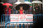 Protestants come to the gates during to the meeting of PSOE's Federal Committee at PSOE's headquarters in Ferraz, Madrid. October 23, 2016. (ALTERPHOTOS/Borja B.Hojas)