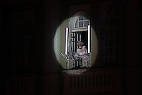 """CURITIBA, PR,22.11.2015 - NATAL-CURITIBA - Coral de Natal do Palacio Avenida durante ensaio técnico na noite deste domingo (22), no calçadão da rua XV de novembro, centro de Curitiba (PR). A edição deste ano traz o tema O Natal dos Natais – 25 anos de histórias para cantar"""" que reúne cerca de 130 crianças e jovens entre 7 e 16 anos que encenarão músicas e personagens natalinos. (Foto: Paulo Lisboa / Brazil Photo Press)"""