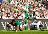 Ireland's Bundee Aki scores his sides second try<br /> <br /> Photographer Bob Bradford/CameraSport<br /> <br /> Quilter Internationals - England v Ireland - Saturday August 24th 2019 - Twickenham Stadium - London<br /> <br /> World Copyright © 2019 CameraSport. All rights reserved. 43 Linden Ave. Countesthorpe. Leicester. England. LE8 5PG - Tel: +44 (0) 116 277 4147 - admin@camerasport.com - www.camerasport.com