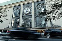SAO PAULO, 06 DE AGOSTO DE 2012 - SHOPPING PAULISTA - Shopping Paulista que continua em funcionamento apos liminar da Justica que impediu o fechamento pela Prefeitura por irregulariades. Com o novo prazo de três meses, o shopping deve comprovar que possui 1.005 vagas de estacionamento internas, além de dez vagas para deficientes. FOTO: ALEXANDRE MOREIRA - BRAZIL PHOTO PRESS