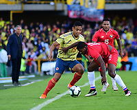 BOGOTA - COLOMBIA, 03-06-2019: Luis Muriel jugador de Colombia disputa el balón con Armando Cooper jugador de Panamá durante partido amistoso entre Colombia y Panamá jugado en el estadio El Campín en Bogotá, Colombia. / Luis Muriel player of Colombia fights the ball with Armando Cooper player of Panama during a friendly match between Colombia and Panama played at Estadio El Campin in Bogota, Colombia. Photo: VizzorImage / Nelson Rios / Cont