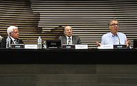 ATENCAO EDITOR: FOTO EMBARGADA PARA VEICULO INTERNACIONAL - SAO PAULO, SP, 10 DEZEMBRO 2012 - A INFLUENCIA DO BRASIL NO SISTEMA INTERNACIONAL SOFT-POWER -  O publicitario Nizan Guanaes (direita) participou do debate sobre o soft power. A iniciativa, idealizada em conjunto com a Secretaria de Assuntos Estrategicos (SAE) da Presidencia da Republica, tem como objetivo a atuacao do Brasil no cenario internacional, com vistas a identificar a capacidade de o pais influenciar acoes politicas sem o uso da forca ou outra forma de coercao, porem lançando mao de estrategias de cooperacao - conceito conhecido como soft-power, na FIESP nessa terca, 11. (FOTO: LEVY RIBEIRO / BRAZIL PHOTO PRESS)..
