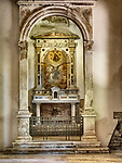 Altar, Basilica di Sant'Apollinare Nuevo, 6th century Byzantine mosaics, Ravenna, Italy