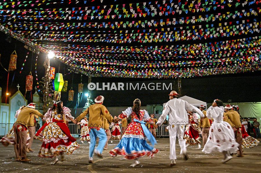 Dança de quadrilha em festa junina. Brasilia. Distrito Federal. 2006. Foto de Ubirajara Machado.