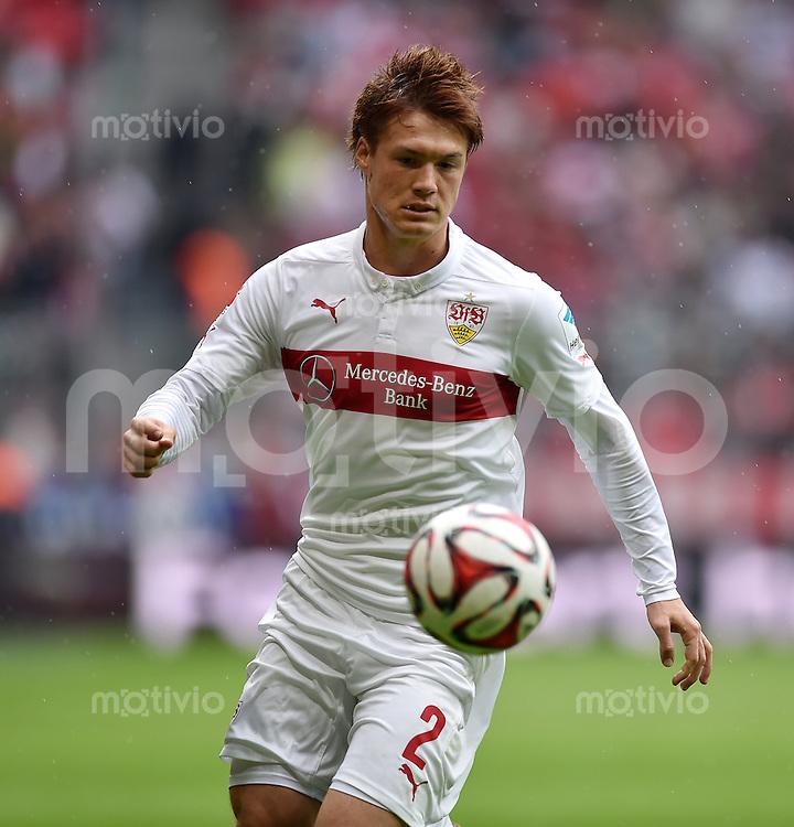 Fussball  1. Bundesliga  Saison 2014/2015   3. SPIELTAG FC Bayern Muenchen - VfB Stuttgart       13.09.2014 Gotoku Sakai (VfB Stuttgart) am Ball