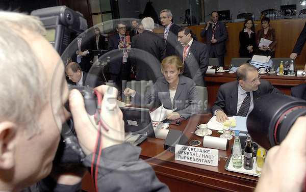 Brussels-Belgium - 09 March 2007---European Council, second day of the summit under the German Presidency; here, Angela MERKEL (le), Federal Chancellor of Germany and acting President of the EU-Council, and Javier SOLANA, Secretary General of the Council of the EU and High Representative for the Common Foreign and Security Policy---Photo: Horst Wagner/eup-images