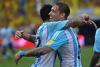 BARRANQUILLA - COLOMBIA- 17-11-2015: Lucas Biglia (Der.) jugador de Argentina celebra el gol anotado a Colombia, durante partido de la fecha 4 válido por la clasificación a la Copa Mundo FIFA 2018 Rusia jugado en el estadio Metropolitano Roberto Melendez en Barranquilla. /  Lucas Biglia (R) player of Argentina celebrates a scored goal to Colombia, during match for the date 4 valid for the 2018 FIFA World Cup Russia Qualifier played at Metropolitan stadium Roberto Melendez in Barranquilla. Photo: VizzorImage / Alfonso Cervantes / Cont.