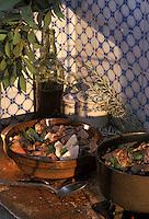 """Europe/France/Aquitaine/40/Landes/Parc Naturel Régional des Landes de Gascogne/Marquèze (écomusée de la Grande Lande): """"Salmis de Palombe et cruchade"""" (bouillie de farine demaïs blanc)  Stylisme Valérie Lhomme"""