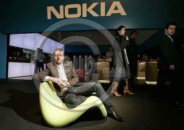 AMSTERDAM - NETHERLANDS - 30 NOVEMBER 2006 -- Alastair CURTIS, the Chief Designer of Nokia mobilephones at the Nokia World 2006 exposition. -- PHOTO:  JUHA ROININEN / EUP-IMAGES.HSVS.20061130