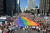 SAO PAULO, SP, 04.05.2014 - PARADA GLBT - SAO PAULO - SAO PAULO, SP, 04.05.2014 - 18* PARADA DO ORGULHO LGBT - Participantes  durante o Festival do  Orgulho LGBT na tarde deste Domingo, 4 na Avenida Paulista, regiao central da  cidade de São Paulo. (Foto: Ben Tavener /Brazil Photo Press).