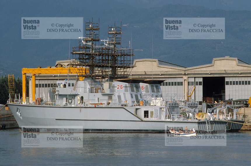- shipyards Intermarine in Sarzana (La Spezia), production of boats minesweeper and mineshunter with integral hull in glass-reinforced plastic, minesweeper Lerici class....- cantieri navali Intermarine di Sarzana (La Spezia), produzione di battelli dragamine e cacciamine con scafo integrale in vetroresina, cacciamine classe Lerici