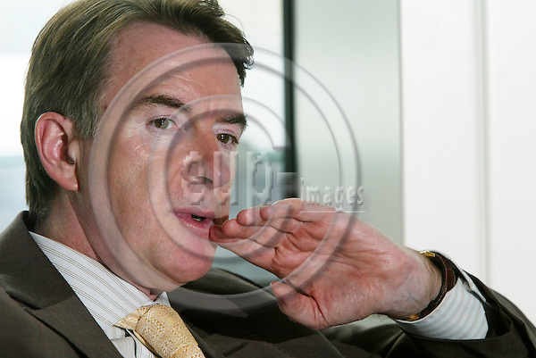 BRUSSELS - BELGIUM - 16 SEPTEMBER 2005 -- Peter MANDELSON, EU Commissioner for trade.   PHOTO: ERIK LUNTANG / EUP-IMAGES..