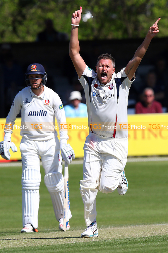 Mitch Claydon of Kent loudly appeals for the wicket of James Foster - Essex CCC vs Kent CCC - LV County Championship Division Two Cricket at the Essex County Ground, Chelmsford, Essex - 21/04/15 - MANDATORY CREDIT: TGSPHOTO - Self billing applies where appropriate - contact@tgsphoto.co.uk - NO UNPAID USE