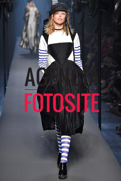 Jean Paul Gaultier<br /> <br /> Alta Costura- Inverno 2015 - Julho/2015