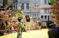 Alberto Contador (ESP/Tinkoff-Saxo) saluting the many fans on his way from the start podium<br /> <br /> stage 3: Antwerpen (BEL) - Huy (BEL)<br /> 2015 Tour de France