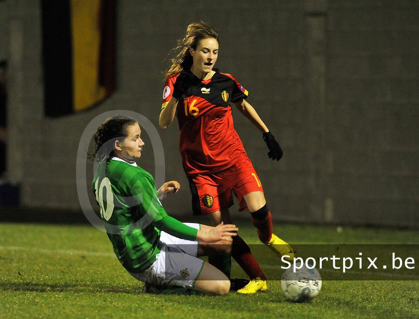 UEFA Women's Euro Qualifying group stage (Group 3) -  KFC Dessel - Armand Melis Stadion : BELGIUM -Northern Ireland ( Belgie - Noord Ierland ) :  Tessa Wullaert aan de bal voor Sarah McFadden..foto DAVID CATRY / Vrouwenteam.be / Loft6.be