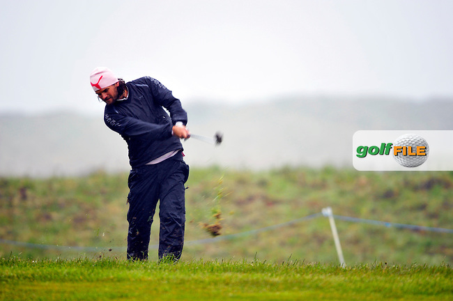 Johan Edfors plays out of the rough on the 9th hole during Round 2 of the 3 Irish Open on 15th May 2009 (Photo by Eoin Clarke/GOLFFILE)