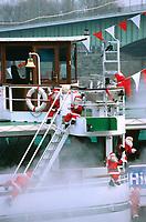 Europe/Allemagne/Rhénanie du Nord-Westphalie/Cologne: Détail décoration de Noël sur un Bateau de promenade sur les bords du Rhin