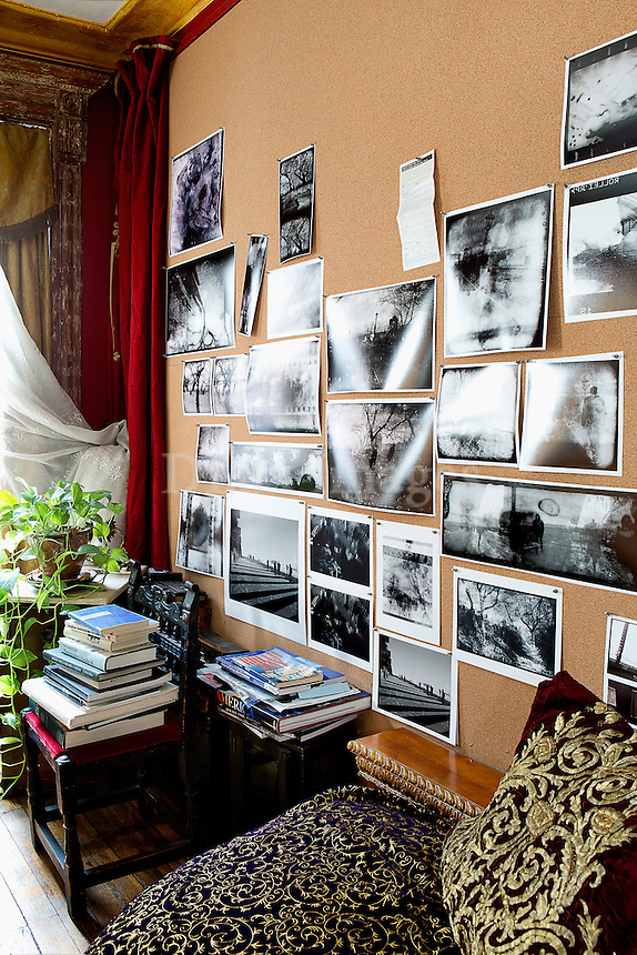 Photo wall arrangement