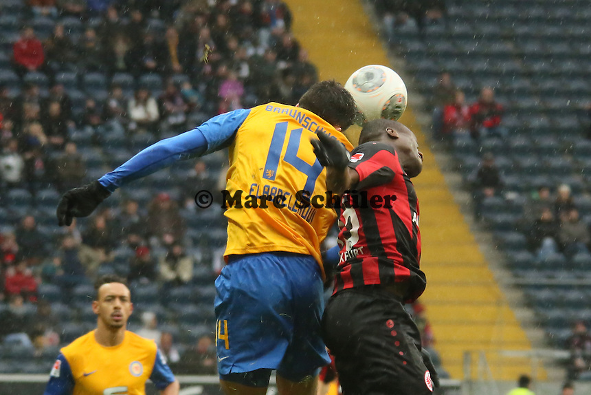 Omar Abdellaoui (Braunschweig) gegen Constant Djakpa (Frankfurt) - Eintracht Frankfurt vs. Eintracht Braunschweig, Commerzbank Arena