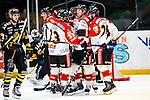 Stockholm 2014-01-08 Ishockey SHL AIK - Lule&aring; HF :  <br />  Lule&aring;s Anton Hedman har gjort 2-0 och gratuleras av lagkamrater<br /> (Foto: Kenta J&ouml;nsson) Nyckelord:  jubel gl&auml;dje lycka glad happy