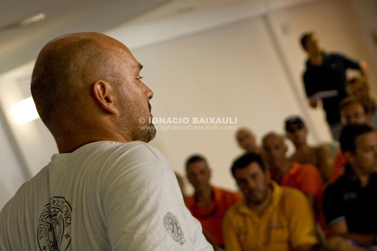 Reunión de patrones. .LXVI CAMPEONATO DE ESPAÑA DE PATÍN A VELA, Club de Vela la Dehesa del 26 al 29 de Agosto de 2009