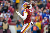 Landover, MD - December 9, 2018: Washington Redskins quarterback Mark Sanchez (6) during game between the New York Giants and Washington Redskins at FedEx Field in Landover, MD. The Giants defeated the Redskins 40-16 dropping the Redskins to 6-7 on the season. (Photo by Phillip Peters/Media Images International)