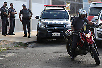 CAMPINAS, SP, 22.03.2018: POLICIA-SP - O Gaeco (Grupo de Atuação Especial de Repressão ao Crime Organizado), do Ministério Público, realiza a segunda fase da Operação Ouro Verde, na manhã desta quinta-feira (22) em Campinas, interior de São Paulo. No bairro Botafogo foi preso temporariamente o servidor Ramon Luciano da Silva, apreendidos documentos, uma motocicleta Ducatti e um scooter Bergman. Eles estão ligados à investigação de supostos desvios de verba pública no Hospital Ouro Verde. (Foto: Luciano Claudino/Codigo19)