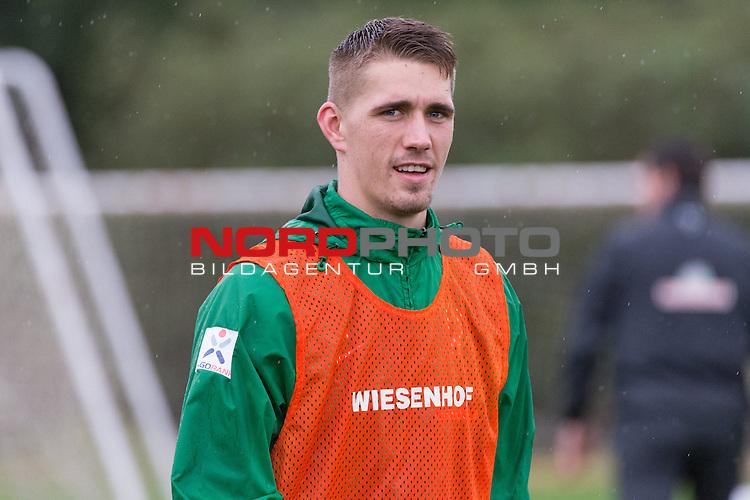 Trainingsgel&auml;nde, Jerez, ESP, 1.FBL, Trainingslager Werder Bremen 2014,  13.01.2014, <br /> <br /> Nils Petersen (Bremen #24)<br /> Portrait<br /> Querformat,<br /> Halbk&ouml;rper / Halbkoerper, Einzelaktion, <br /> Foto &copy; nordphoto/ Kokenge
