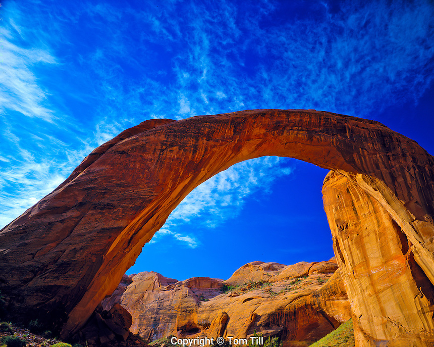 Rainbow Bridge           Rainbow Bridge National Monument, Utah   World's largest natural bridge     Lake Powell   Span over 300 feet wide