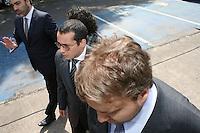 SAO PAULO, SP, 18 DE JANEIRO 2013 - JULGAMENTO GIL RUGAI - O acusado Gil Rugai, chega ao Fórum Criminal da Barra Funda, na zona oeste de São Paulo, nesta segunda-feira (18). Gil é acusado de matar o pai, Luiz Carlos Rugai, e a madrasta, Alessandra de Fátima Troitino, em 28 de março de 2004, e deve ir a júri popular hoje. FOTO: MAURICIO CAMARGO - BRAZIL PHOTO PRESS.