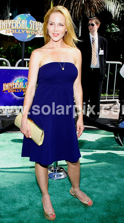 "**ALL ROUND PICTURES FROM SOLARPIX.COM**.**SYNDICATION RIGHTS FOR UK, SPAIN, PORTUGAL, AUSTRALIA, S.AFRICA & DUBAI (U.A.E) ONLY**.Julie Benz attends the Los Angeles premiere of ""The Incredible Hulk"" at Universal Citywalk Universal Studios - Universal City, CA, USA.JOB REF:  6595   PHZ / David Gabber  DATE:  08.06.08.**MUST CREDIT SOLARPIX.COM OR DOUBLE FEE WILL BE CHARGED* *UNDER NO CIRCUMSTANCES IS THIS IMAGE TO BE REPRODUCED FOR ANY ONLINE EDITION WITHOUT PRIOR PERMISSION*"