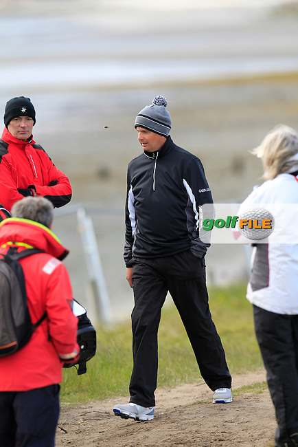 Peter LAWRIE (IRL) in trouble off the 1st tee during Friday's Round 2 of the 2015 Dubai Duty Free Irish Open, Royal County Down Golf Club, Newcastle Co Down, Northern Ireland 5/29/2015<br />  Picture Eoin Clarke, www.golffile.ie
