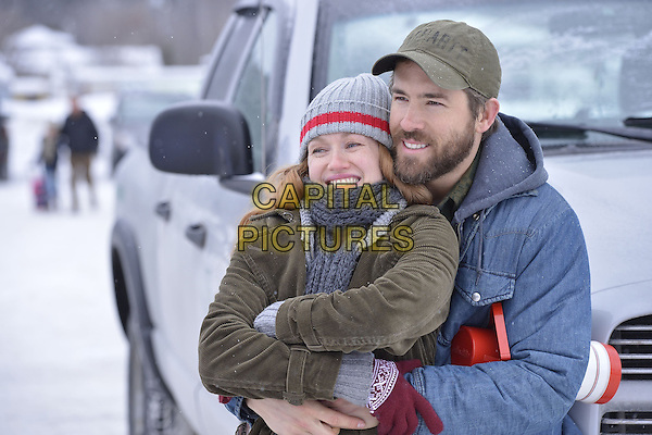 Mireille Enos, Ryan Reynolds<br /> in The Captive (2014) <br /> *Filmstill - Editorial Use Only*<br /> CAP/FB<br /> Image supplied by Capital Pictures