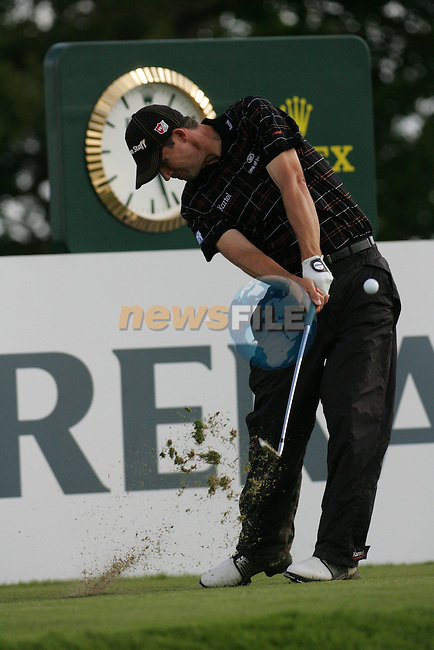 Padraig Harrington tees off on the par 3 17th hole during the first round of the Smurfit Kappa European Open at The K Club, Strffan,Co.Kildare, Ireland 5th July 2007 (Photo by Eoin Clarke/NEWSFILE)
