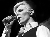 David Bowie - performing live on the Isolar Tour at the Boston Garden in Boston MA USA - Mar 17, 1976.  Photo credit: Ron Pownall/Dalle/IconicPix ** UK ONLY **