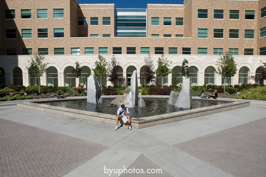0708-31 .JFSB Joseph F. Smith Building Court/fountain area with students for English web site...August 15, 2007..Photography by Mark A. Philbrick..Copyright BYU Photo 2007.All Rights Reserved .photo@byu.edu  (801)422-7322