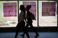 BRASILIA, DF, 08.10.2015 - METRÔ-GREVE- Estação de Metrô Central, uma das estações abertas durante a greve dos metroviários, nesta terça-feira, 03.(Foto:Ed Ferreira / Brazil Photo Press)