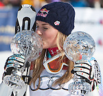 12.03.2010, Kandahar Strecke Herren, Garmisch Partenkirchen, GER, FIS Worldcup Alpin Ski, Garmisch, Men Giant Slalom, im Bild der Gewinnerin des Gesamtweltcup sowie des Riesenslalom und SuperG Weltcup 2009 2010 Vonn Lindsey, ( USA ), Ski Head, mit zwei Kristallkugeln, EXPA Pictures © 2010, PhotoCredit: EXPA/ J. Groder