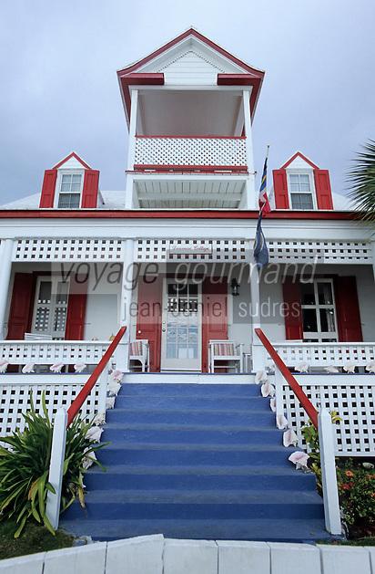 Les Bahamas /Ile d'Eleuthera/Harbour Island/Dunmore Town: Maison coloniale du front de mer du village